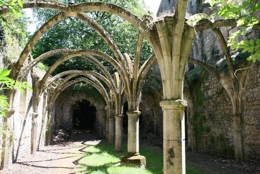 L'abbaye royale de Saint-Michel-en-l'Herm, dans le Marais poitevin