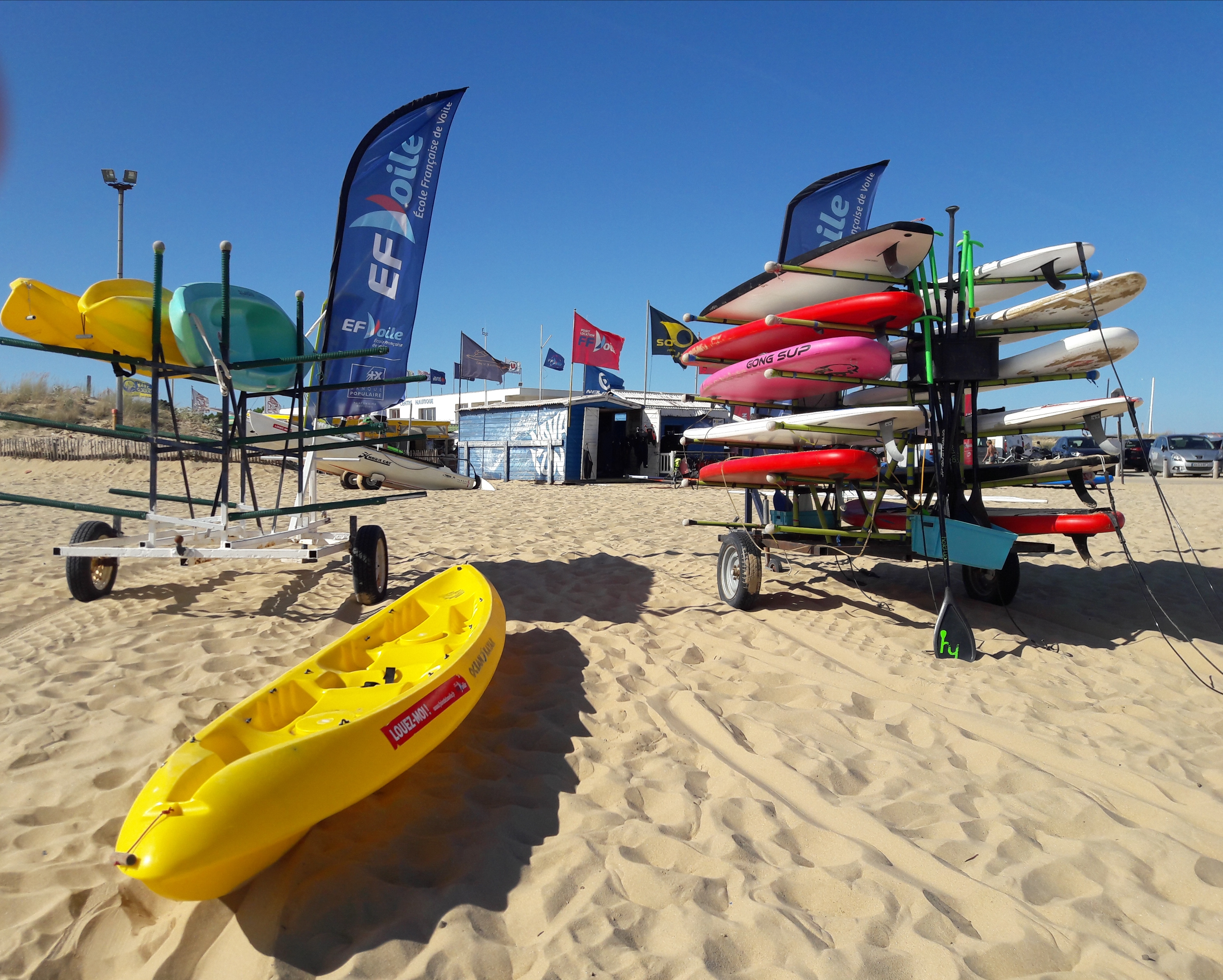 Rental of sea kayaks in the Marais Poitevin Regional Nature Park