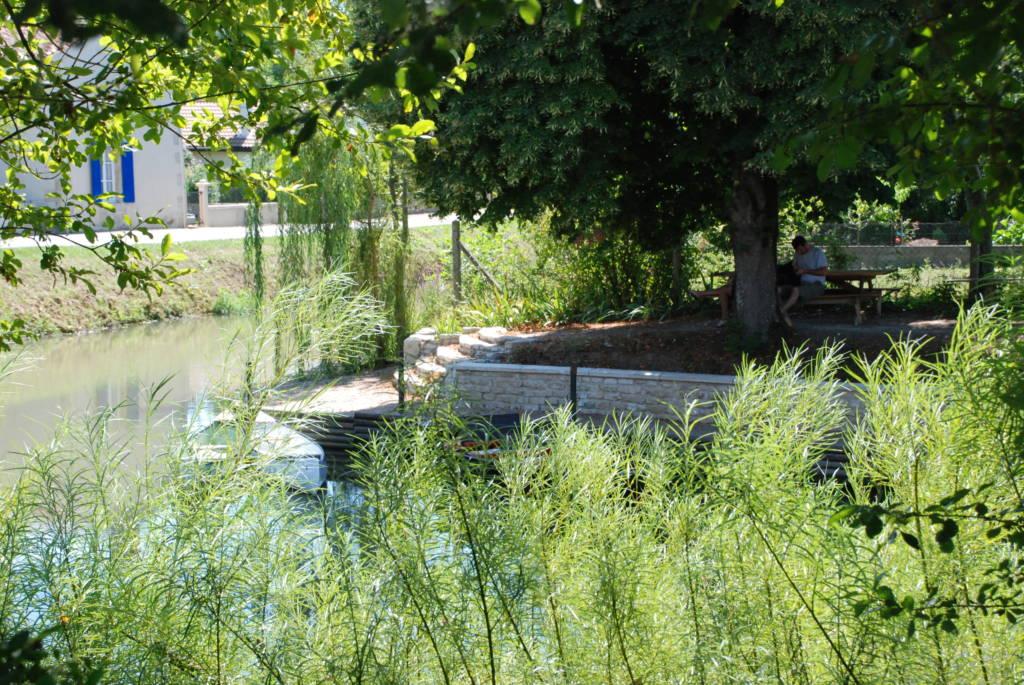 Embarcadère de la Venise Verte Le Mazeau dans le parc naturel régional du marais poitevin