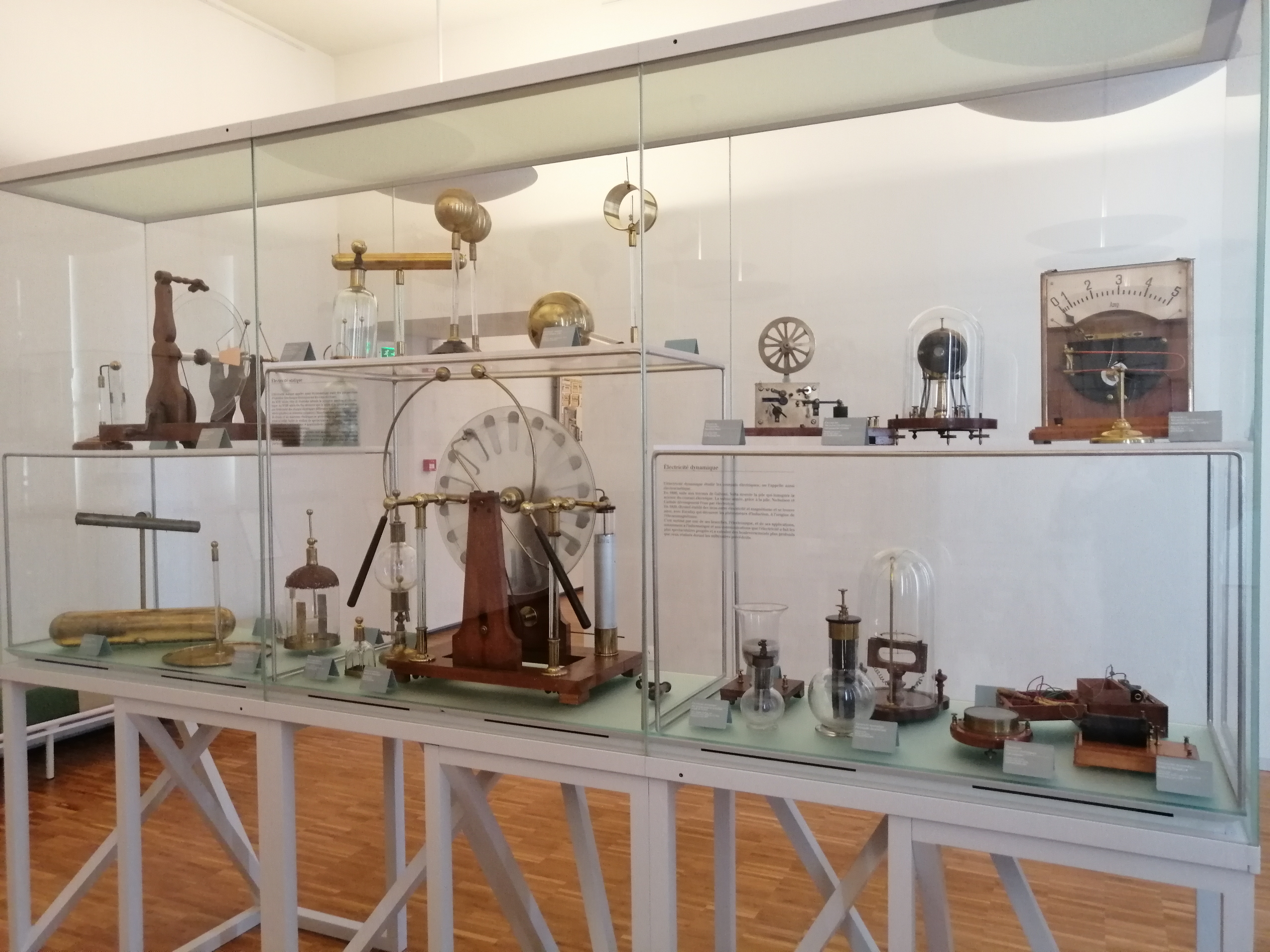 Conservatory of Education and Scientific Objects. Museum Bernard d'Agessci - Niort