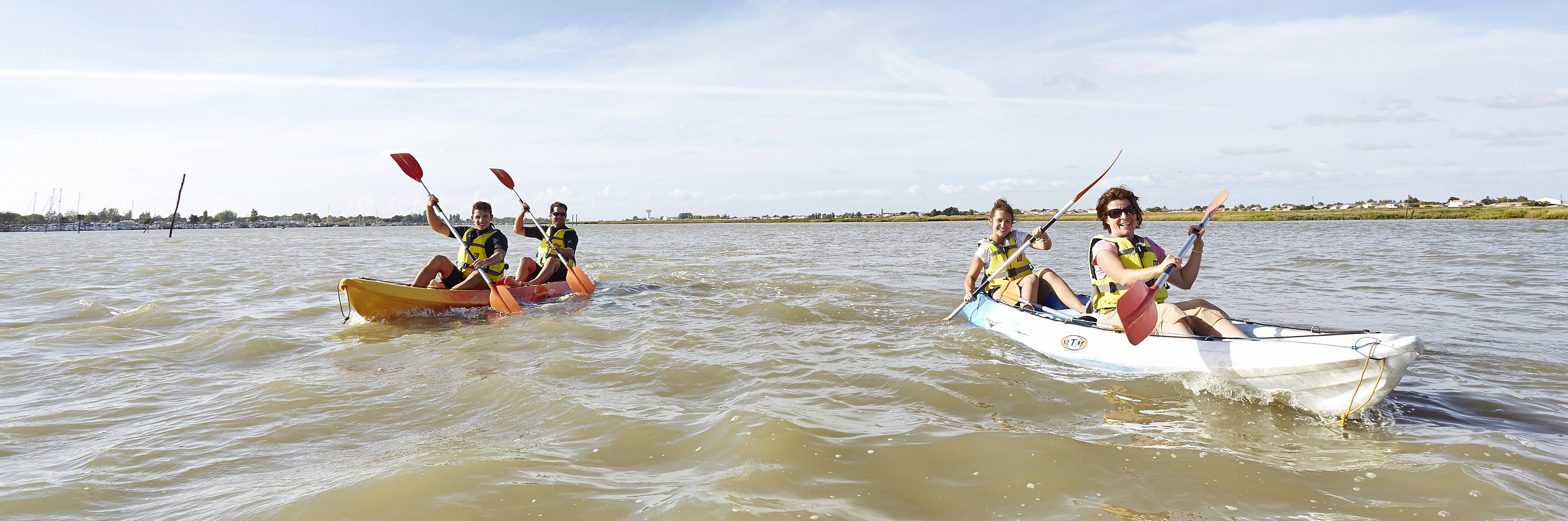 Sea kayaking to discover the Aiguillon Bay