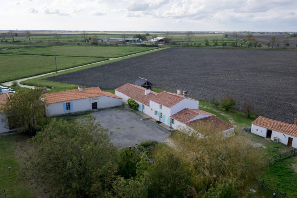 Maison du Maitre de Digues, site de visite situé à Chaillé les Marais qui présente le marais desséché au travers de la vie quotidienne du maitre de digues