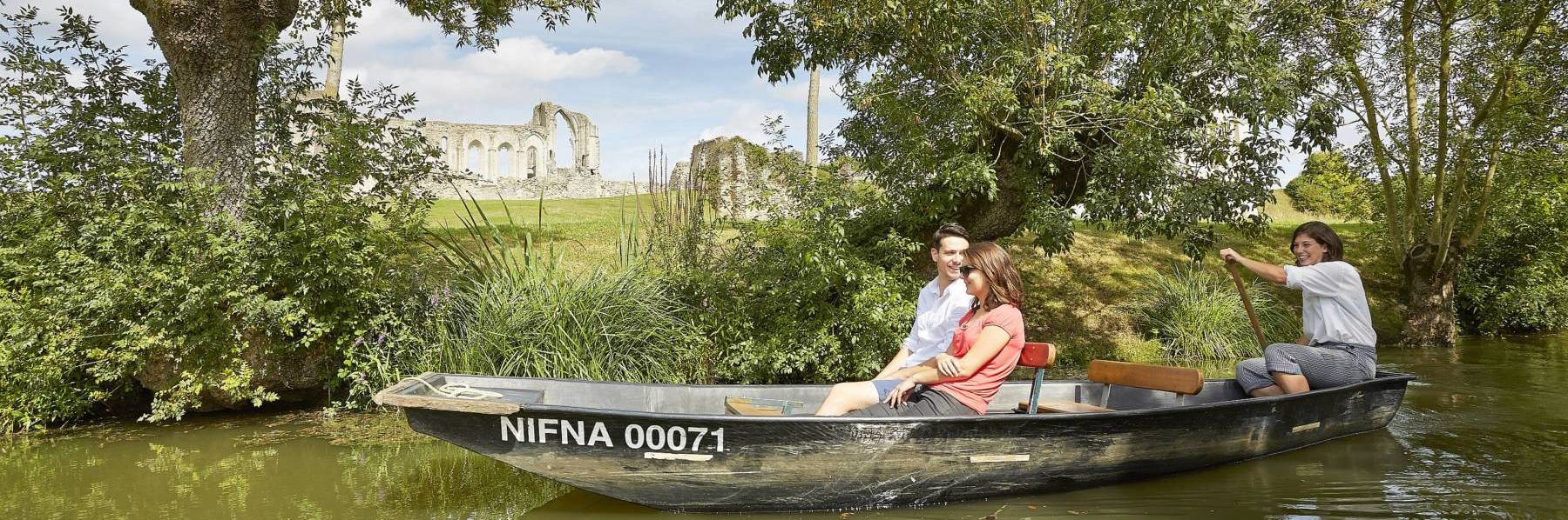 For your next holidays, visit the Marais poitevin