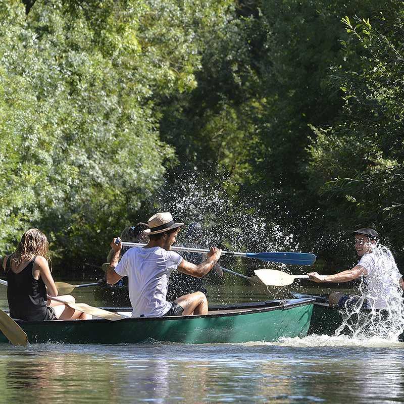 Randonnée en canoë dans le Marais poitevin
