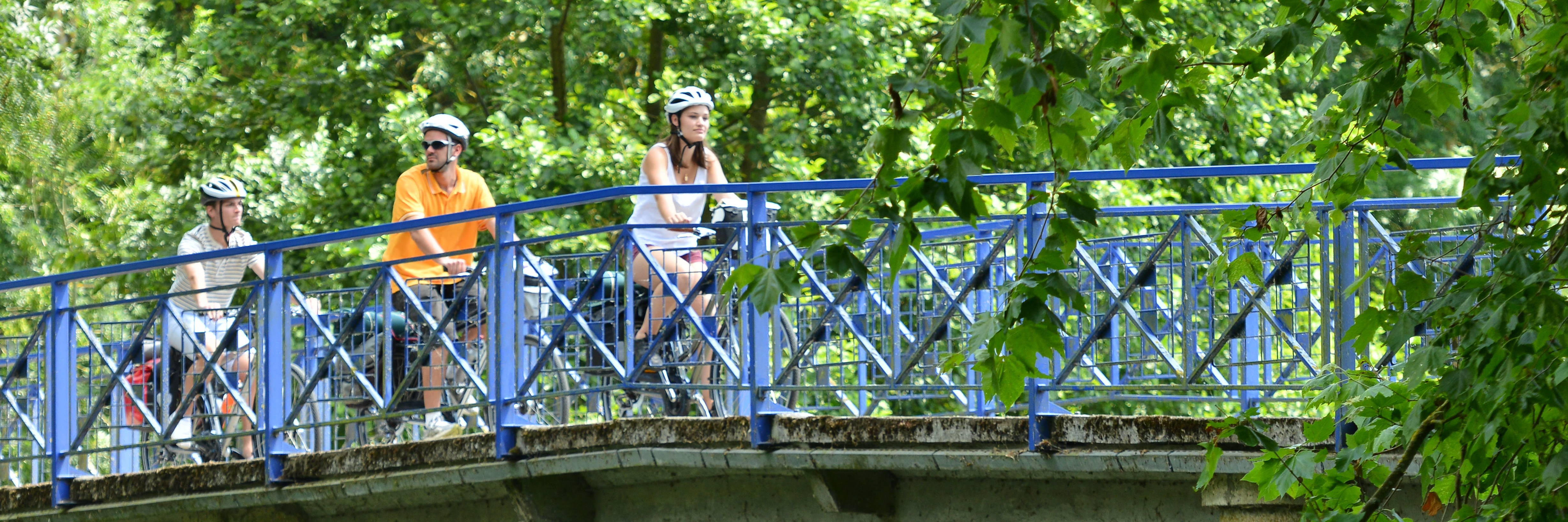 "Cycling across the Marais poitevin with the ""Vélo Francette"" bike route"