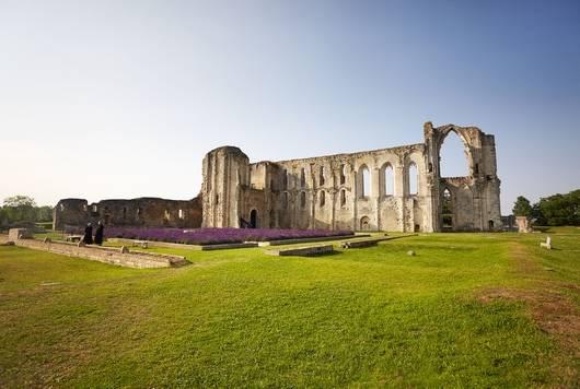 L'abbaye de Maillezais dans le Marais poitevin - site de visite pour découvrir l'histoire du Marais poitevin