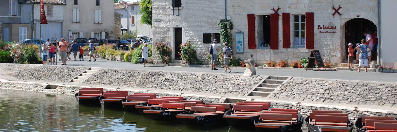 Visiter Coulon dans le Marais poitevin