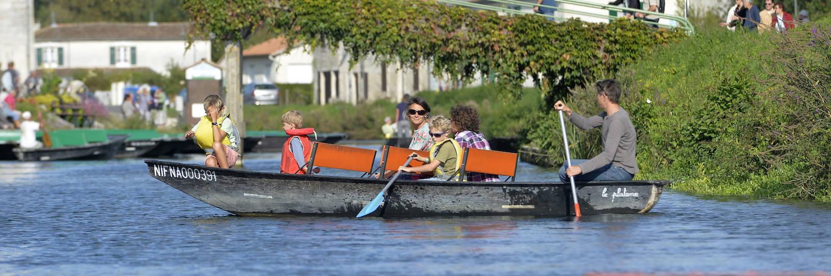 Location de barque à Coulon dans le Marais poitevin