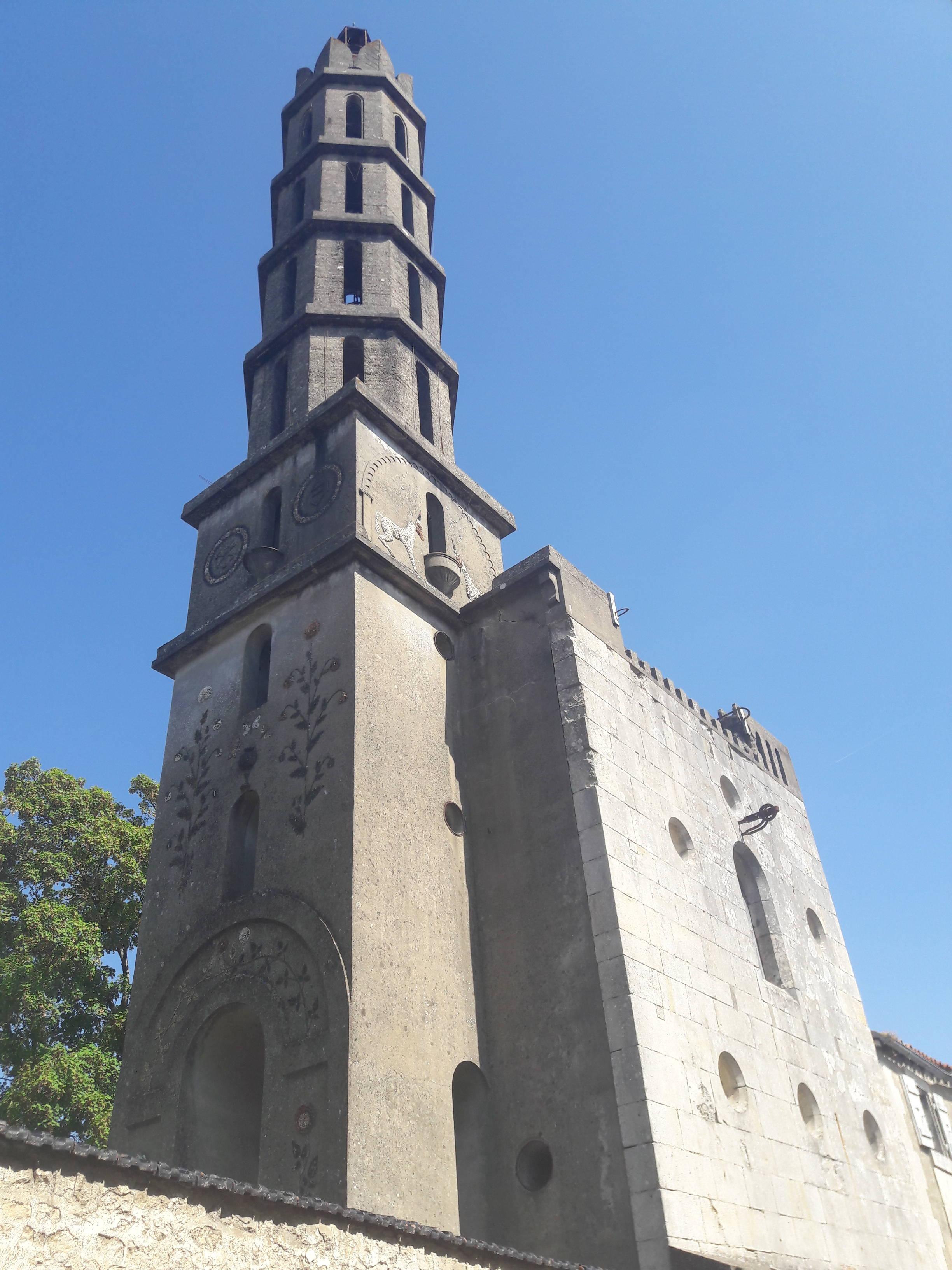 La tour Rivalland à Fontenay le Comte, ville du Parc naturel régional du Marais poitevin